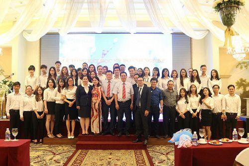 HUTECH tổng kết Học kỳ Doanh nghiệp tại Trung tâm Hội nghị & Tiệc cưới Metropole