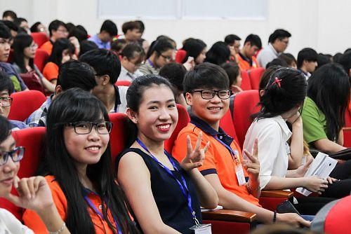 Rộn ràng ngày hội chào đón và kết nối Tân sinh viên Khoa QTKD