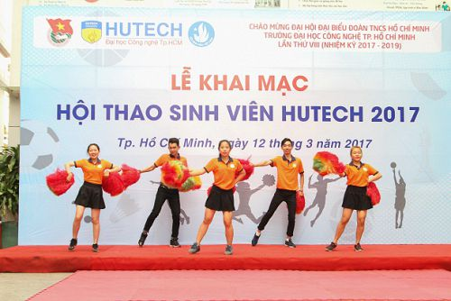 """Tưng bừng khai mạc """"Hội thao Sinh viên HUTECH 2017"""""""